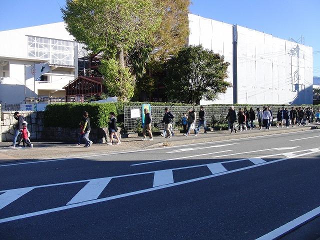 富士高を避難所とする近隣4区の合同避難所訓練 その1_f0141310_8312249.jpg