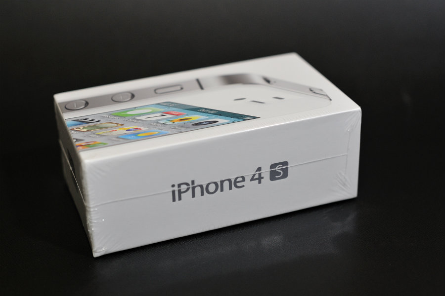 Unlocked iPhone 4s 32GB - White_f0205834_2361679.jpg