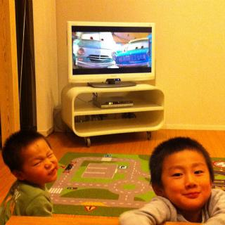 テレビが新しくなりました。_a0210340_18502110.jpg