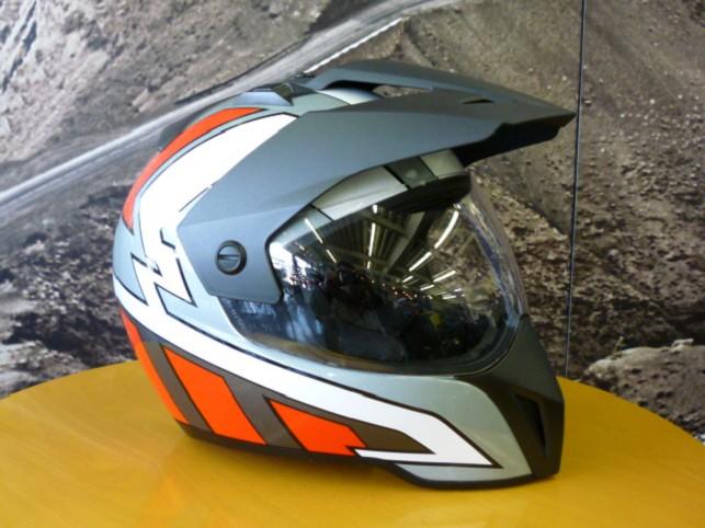BMW純正ヘルメットの歴史7_e0254365_19513625.jpg