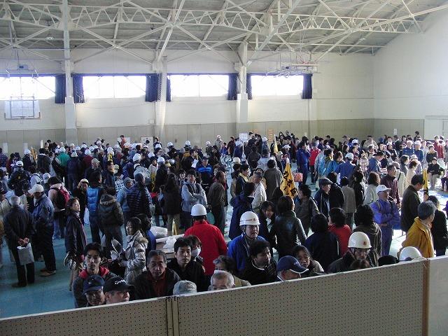 富士高を避難所とする近隣4区の合同避難所訓練 その2_f0141310_8244814.jpg