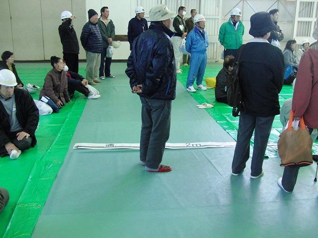 富士高を避難所とする近隣4区の合同避難所訓練 その2_f0141310_828249.jpg