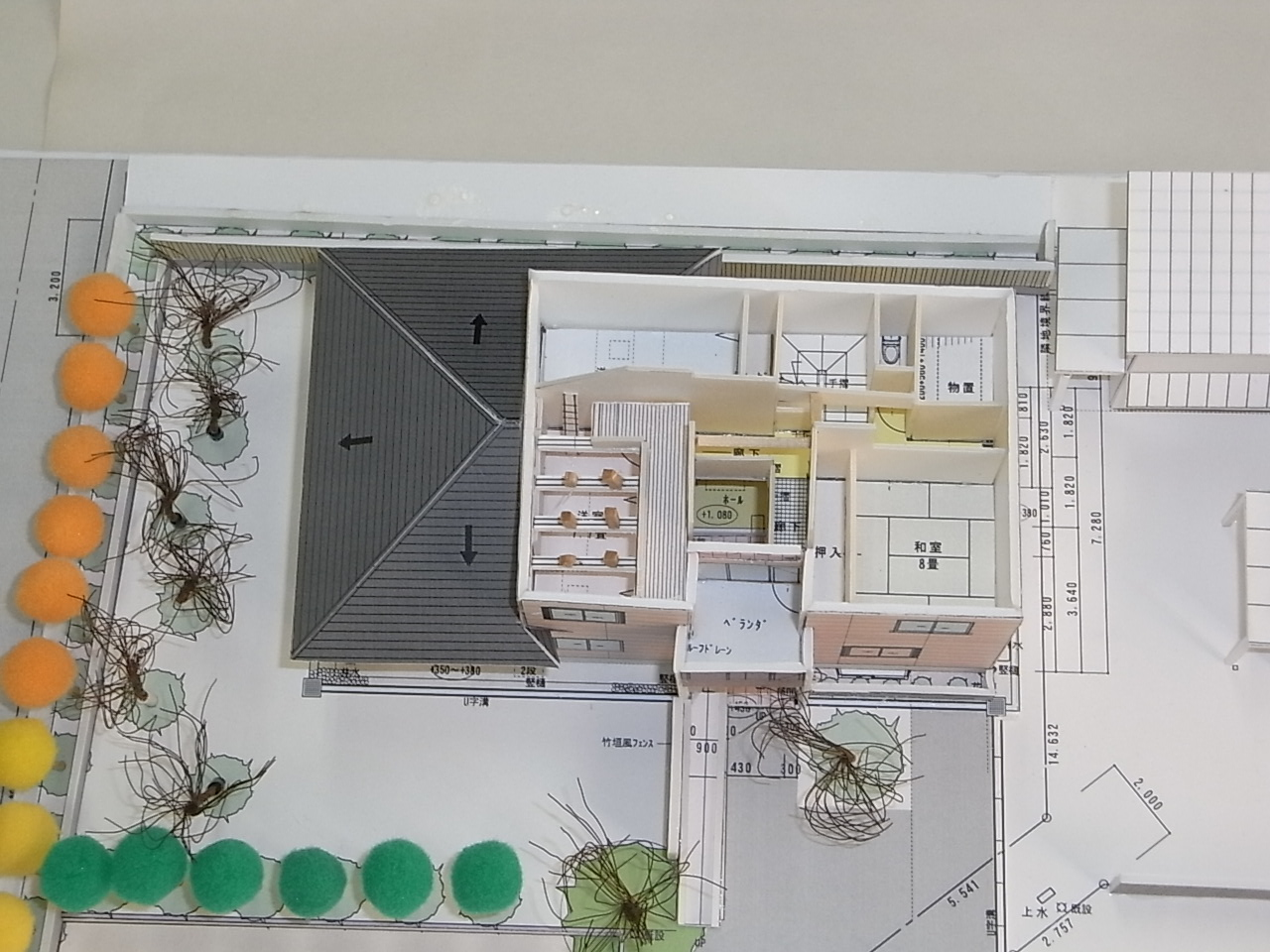 m-house模型_c0194417_11543357.jpg