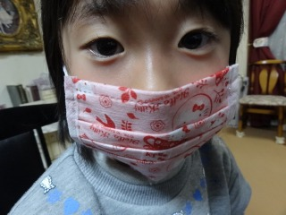 キティちゃんのマスク_d0165645_9393915.jpg
