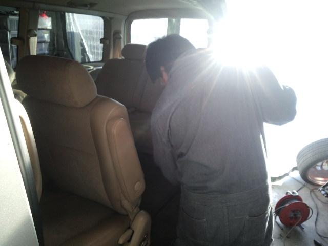 ランクル TOMMY札幌店 12月8日!小野様 グランビア 納車☆_b0127002_22465310.jpg