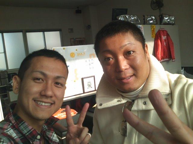 ランクル TOMMY札幌店 12月8日!小野様 グランビア 納車☆_b0127002_2323197.jpg
