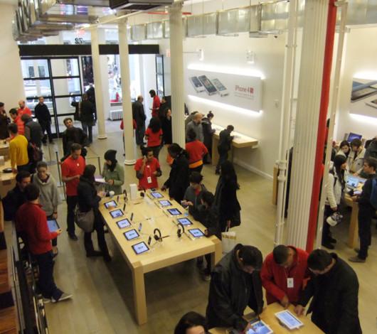 ニューヨークのアップル・ストア(SOHO店)は改装工事中_b0007805_481488.jpg