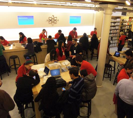 ニューヨークのアップル・ストア(SOHO店)は改装工事中_b0007805_483419.jpg