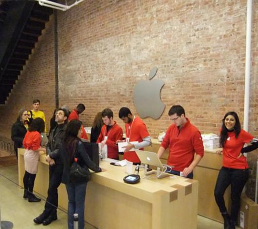 ニューヨークのアップル・ストア(SOHO店)は改装工事中_b0007805_484361.jpg
