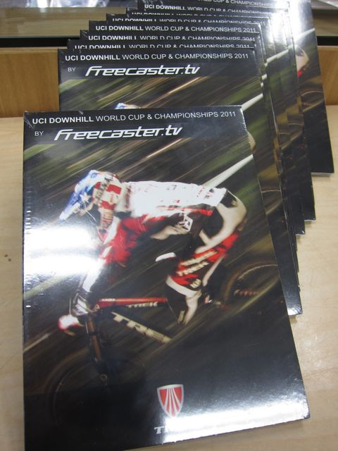 UCI DOWNHILL WORLD CUP & CHAMPIONSHIPS 2011入荷!_e0069415_11484127.jpg