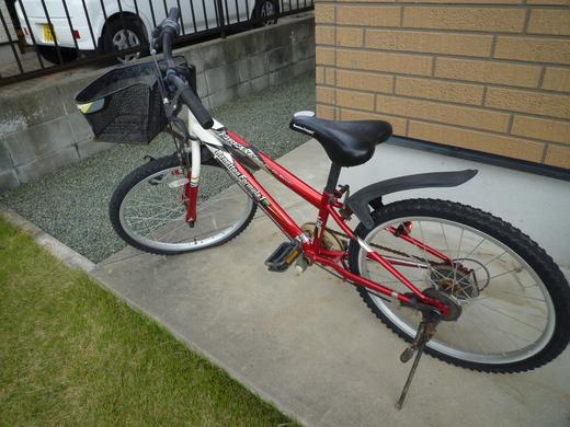 自転車の 小学生 自転車 男の子 : 小学生が乗る自転車って ...