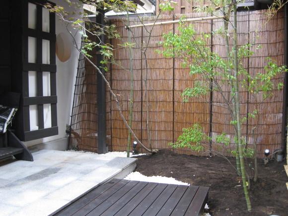 京町屋カフェ庭工事-2-_e0128446_10272917.jpg