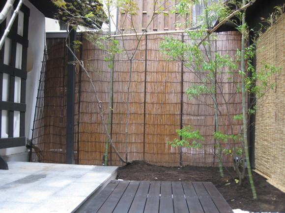 京町屋カフェ庭工事-2-_e0128446_10323679.jpg