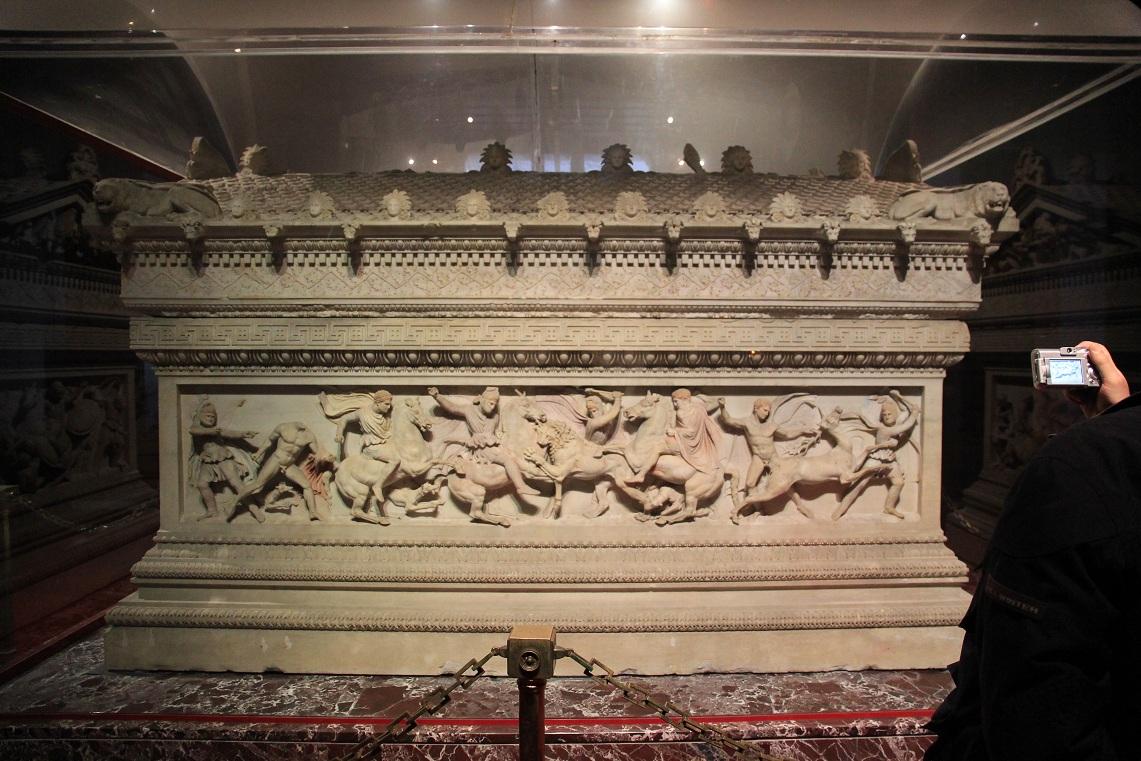 アレキサンダー大王の棺   イスタンブール その14_a0107574_19423323.jpg