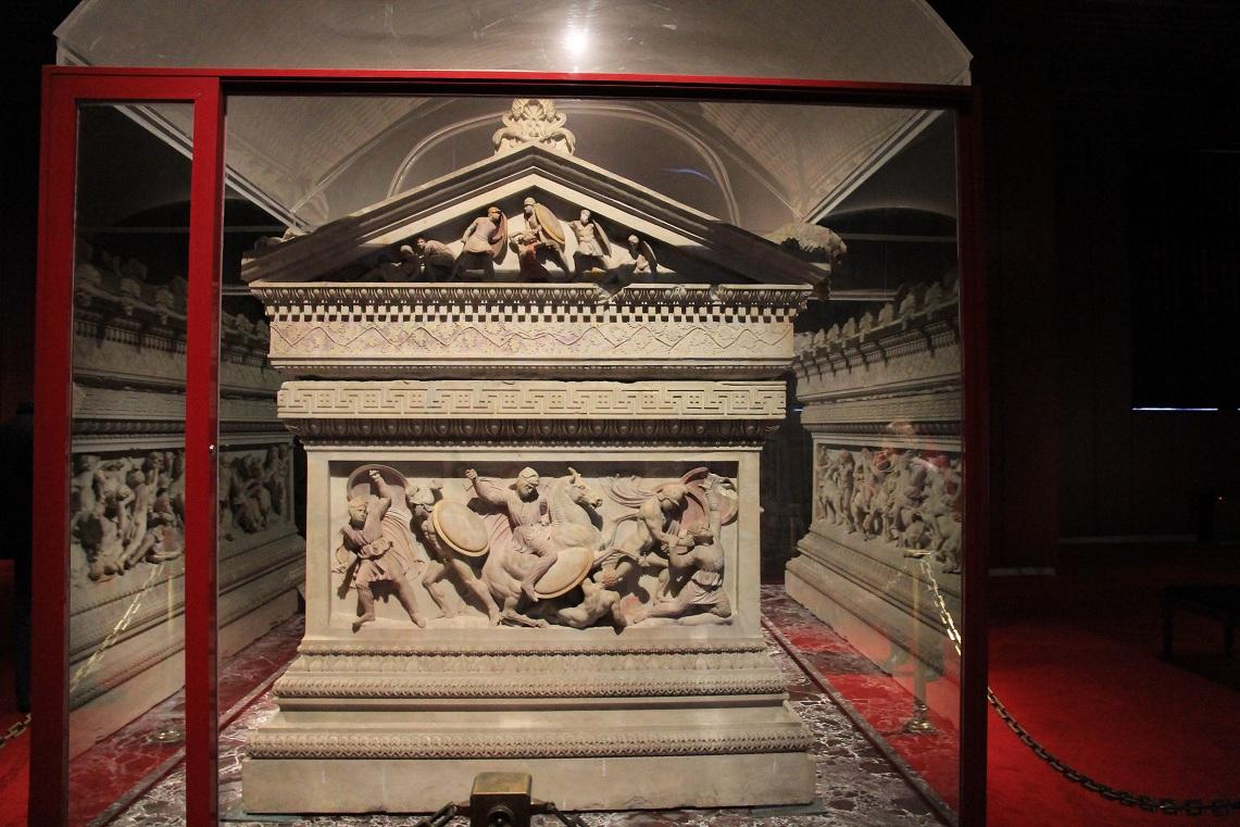 アレキサンダー大王の棺   イスタンブール その14_a0107574_1948352.jpg