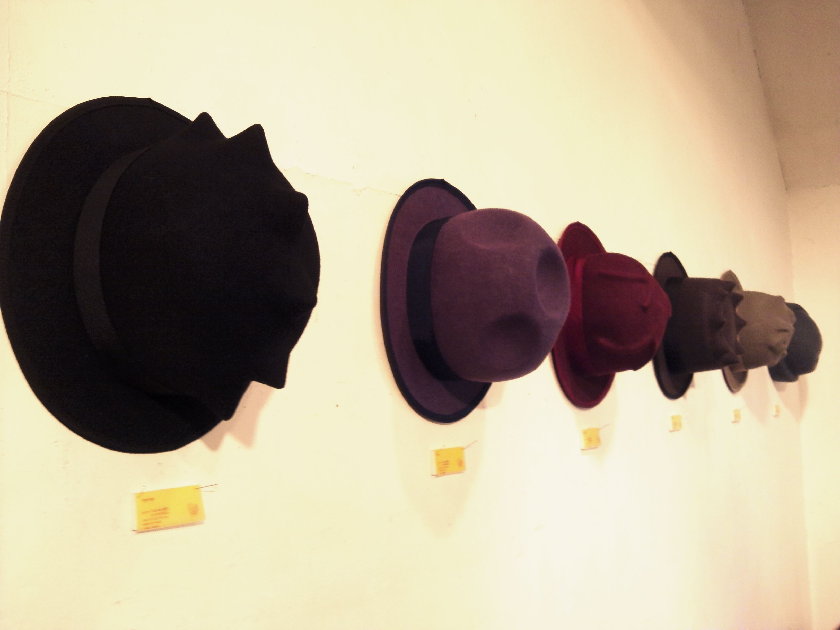 CURIONE 帽子展_c0026674_1529134.jpg