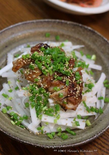 今日のお弁当 ☆ ケンタロウレシピ・大根とカリカリ鶏のサラダ仕立て♪_c0139375_11231113.jpg
