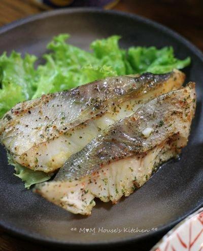 今日のお弁当 ☆ ケンタロウレシピ・大根とカリカリ鶏のサラダ仕立て♪_c0139375_11235046.jpg