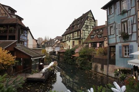 フランスの最も美しい村エギスアイムとコルマールを訪ねる_a0138976_18114363.jpg