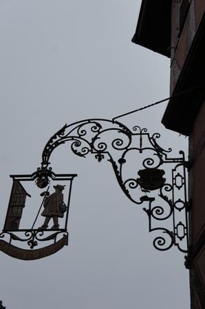 フランスの最も美しい村エギスアイムとコルマールを訪ねる_a0138976_18135523.jpg