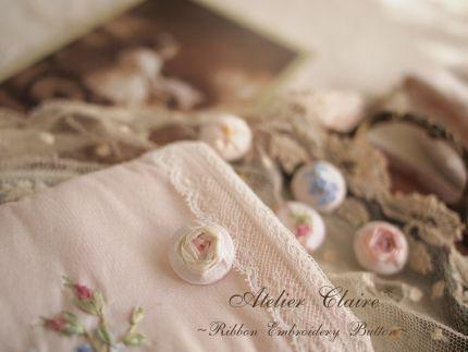 思い思いのリボン刺繍のボタン_a0157409_8533763.jpg