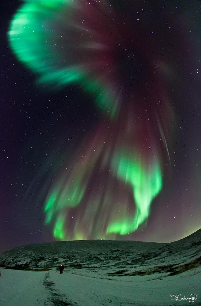 ノルウェーに出現した美しいコロナタイプのオーロラ_d0063814_8551268.jpg