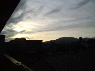 今日も快晴!!油山〜脊振山系〜飯盛山〜!気持ちいい景色です〜!!_d0082356_80841.jpg