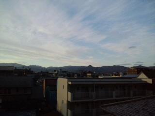 今日も快晴!!油山〜脊振山系〜飯盛山〜!気持ちいい景色です〜!!_d0082356_80844.jpg
