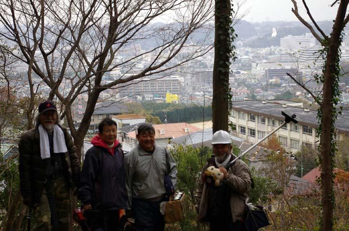 六国見山森林公園の夫婦桜近くを臨時手入れ(12・8)_c0014967_9293996.jpg