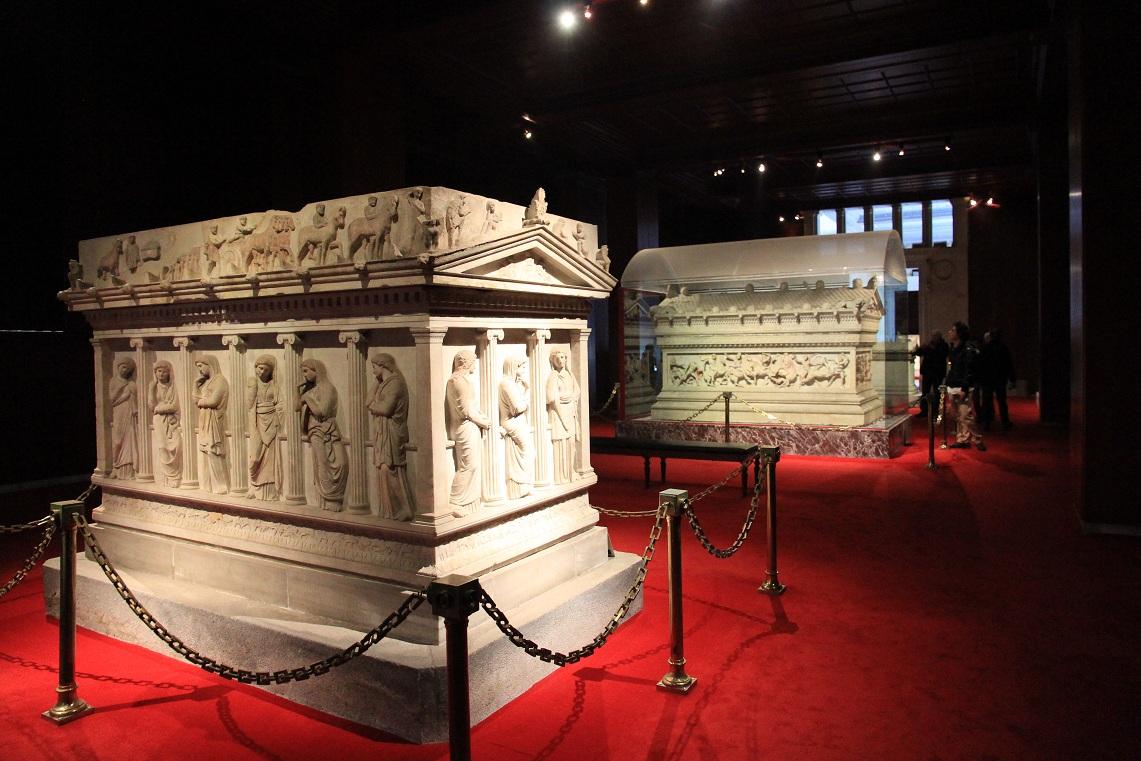アレキサンダー大王の棺 その2   イスタンブール その15_a0107574_1712120.jpg