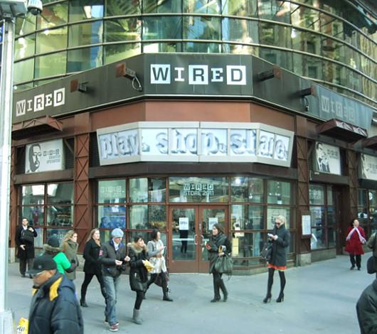 タイムズ・スクエアに過去最大スペースでオープン Wired Store 2011_b0007805_0274146.jpg