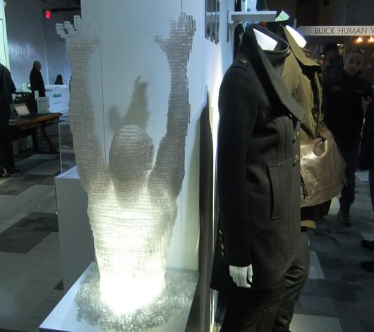 タイムズ・スクエアに過去最大スペースでオープン Wired Store 2011_b0007805_0545729.jpg