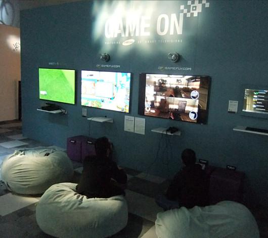 タイムズ・スクエアに過去最大スペースでオープン Wired Store 2011_b0007805_0551585.jpg