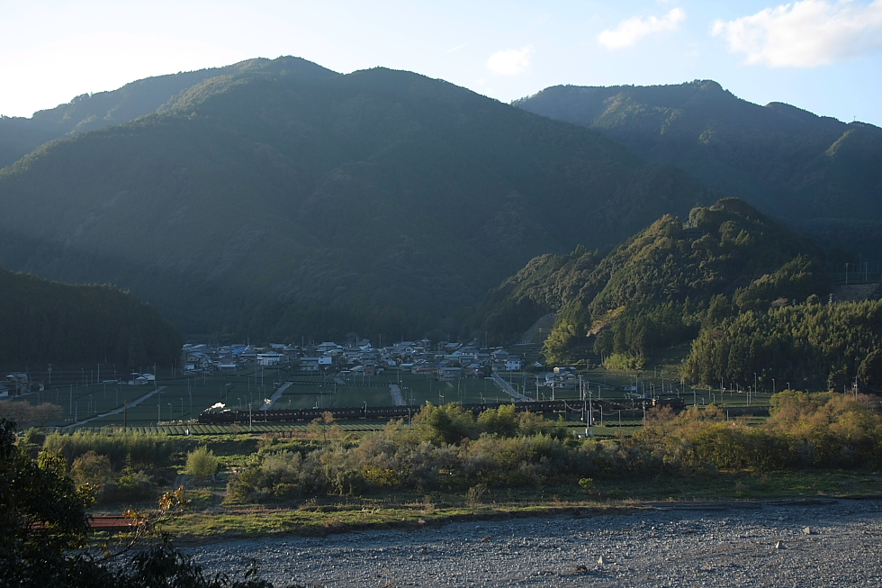 山影迫る - 2011年秋・大井川 -_b0190710_2037974.jpg