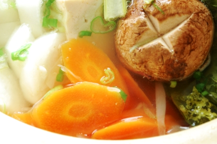 鶏手羽と野菜のうまみ鍋_d0104926_3442970.jpg