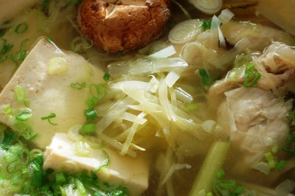 鶏手羽と野菜のうまみ鍋_d0104926_3453213.jpg