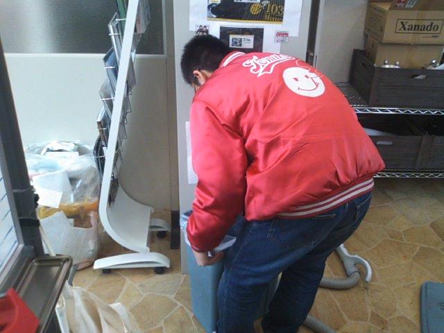 ランクル TOMMY札幌店 12月11日!2人営業☆_b0127002_204162.jpg