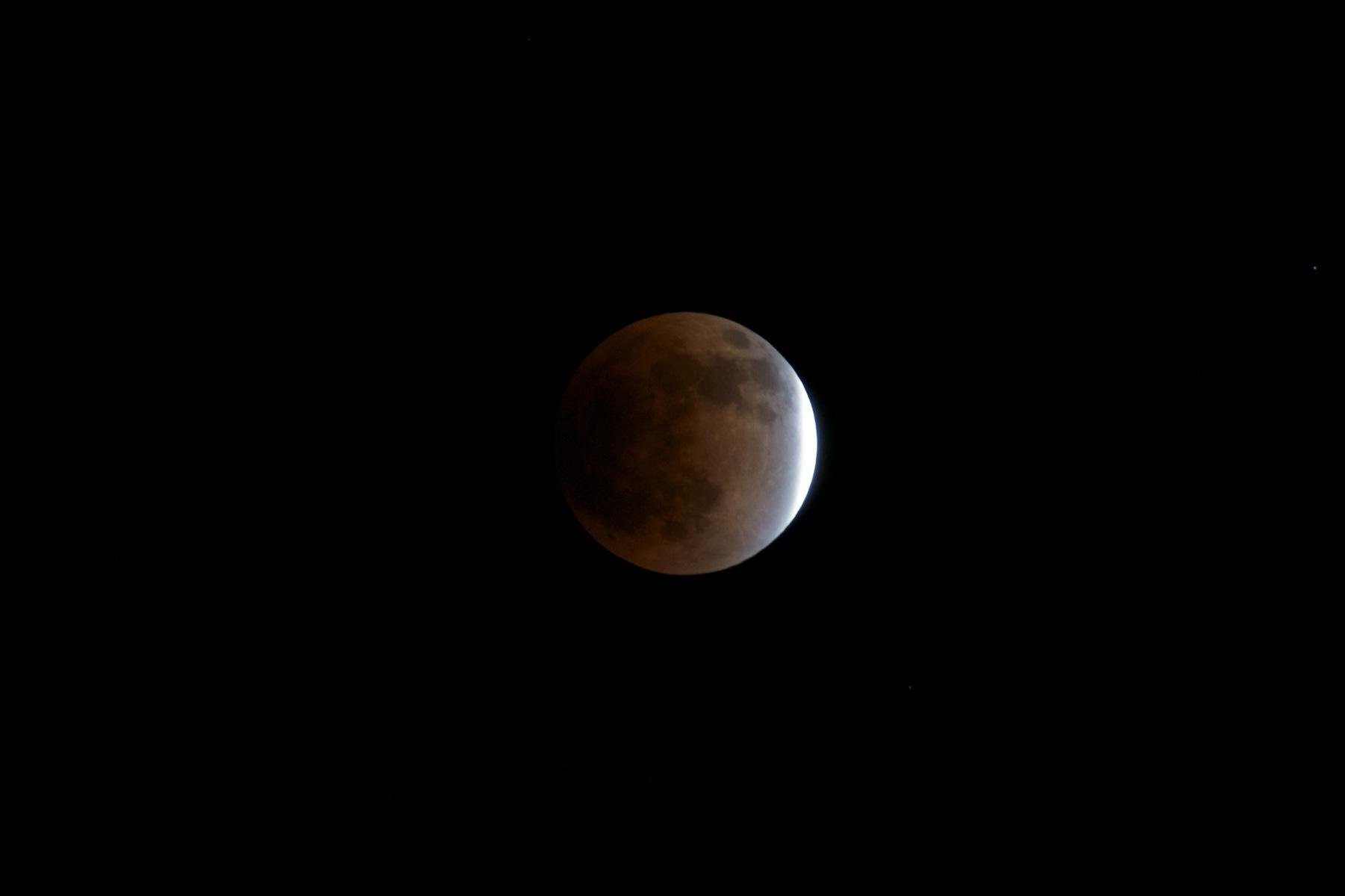 皆既月食_f0231512_1414124.jpg
