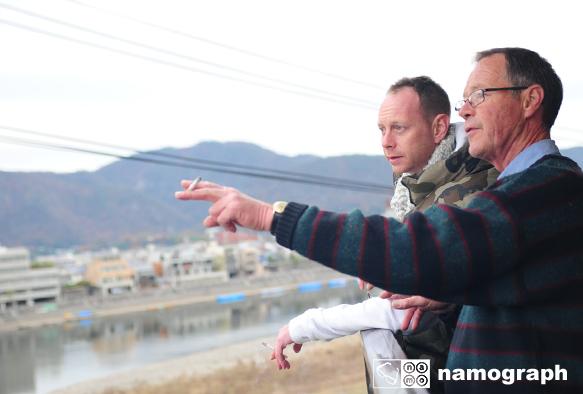 長良川の見えるベランダで_a0165860_2223348.jpg
