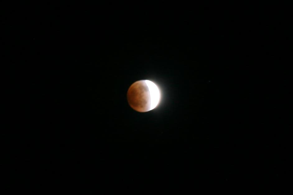 皆既月食_f0180878_1074757.jpg