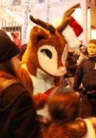 ニューヨーク、ロックフェラーセンターのクリスマスツリー周辺はお祭り騒ぎ_b0007805_1385590.jpg