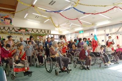12/11聖愛園クリスマス会を盛大に開催しました☆_a0154110_1124988.jpg