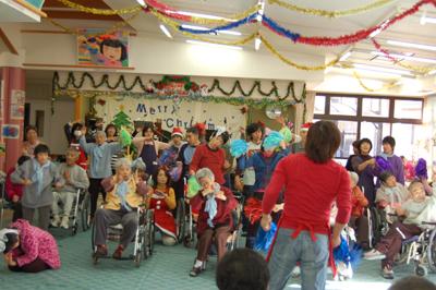 12/11聖愛園クリスマス会を盛大に開催しました☆_a0154110_1125564.jpg