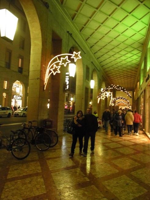 パルマのクリスマスツリー_c0222316_2154754.jpg