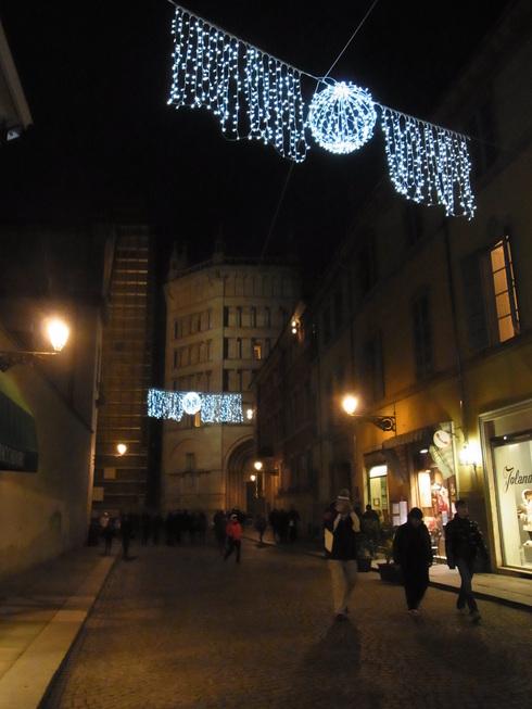 パルマのクリスマスツリー_c0222316_2194639.jpg