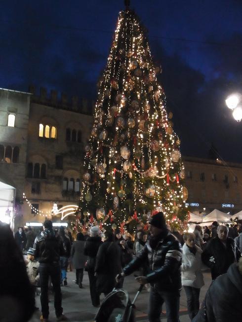 パルマのクリスマスツリー_c0222316_232897.jpg