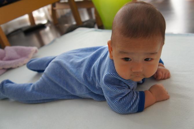 3.5ヶ月の息子、そしてママ_e0253026_22312767.jpg