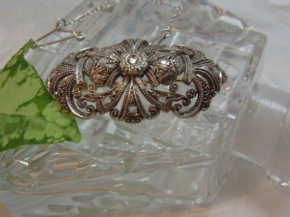 美しいダイヤモンドのブローチ........_d0127182_14495435.jpg