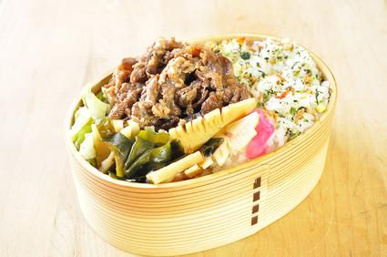 牛肉と筍のお弁当_b0171098_8251612.jpg