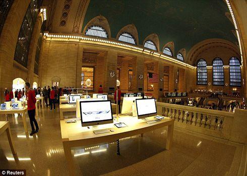 世界で一番大きなAppleStore、オープン_d0174998_13464751.jpg